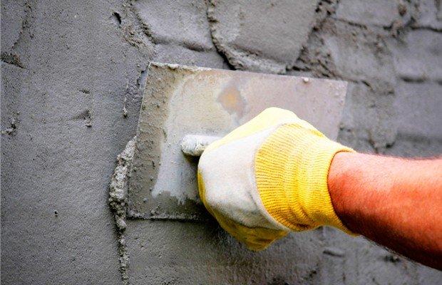 Штукатурка основания дома – от чего защищает?