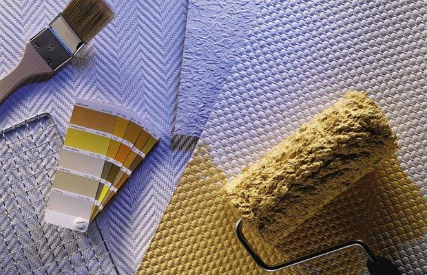 Подготовка потолка к оклеиванию – как сделать все правильно?