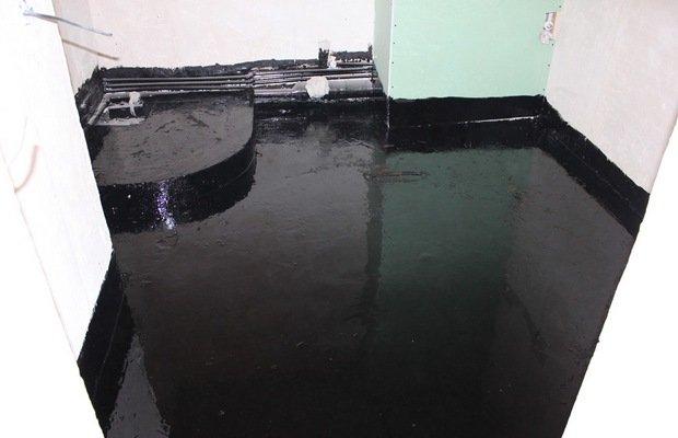 Какие материалы подходят для гидрозащиты пола и стен ванной комнаты?