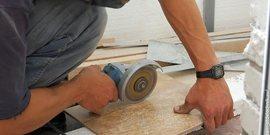 Фото - Чем резать тротуарную плитку – каким инструментом не повредить материал при распиле?