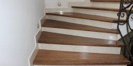 Фото - Крепление деревянных ступеней к бетонной лестнице – красивый декор гарантирован!