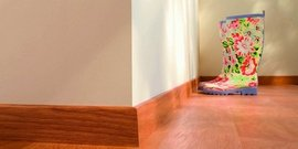 Какой плинтус выбрать для ламината – подскажем и обоснуем советы