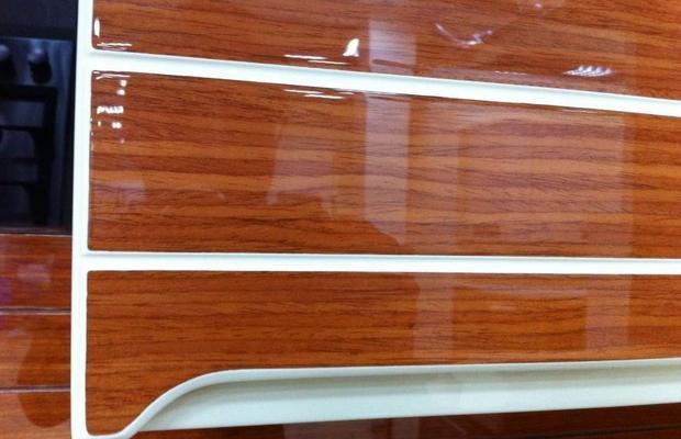 Другие материалы для декорирования двери – чем заменить ламинат?