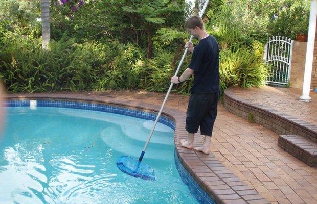 Чистка бассейна – главные критерии