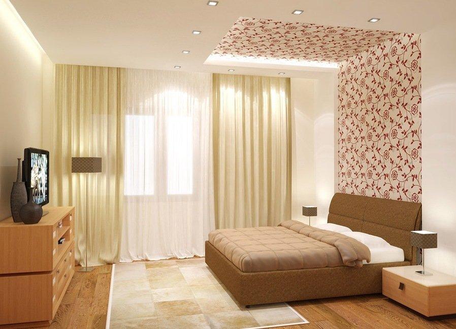 Стена и часть потолка над изголовьем с цветочным рисунком в спальне