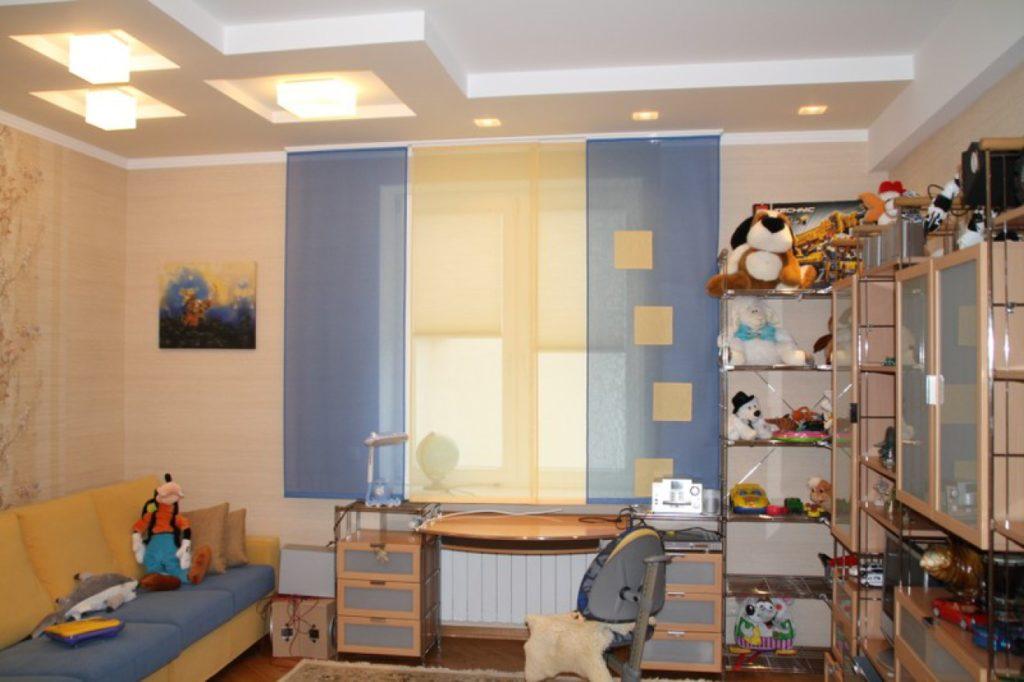Панельные шторы в детской комнате мальчика