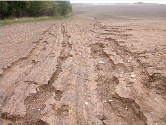 Эрозия почвы на склоне