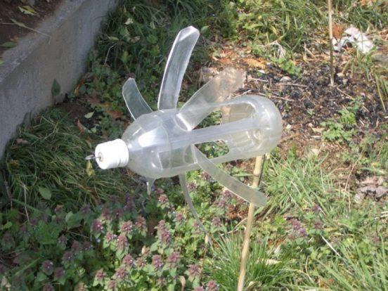 Флюгер из одной бутылки