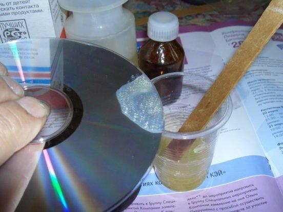 Окунаем диск в эпоксидку
