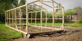 Как построить теплицу из дерева своими руками: бюджетный и надёжный вариант