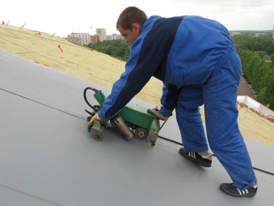 Крепление мембраны для гидроизоляции крыши