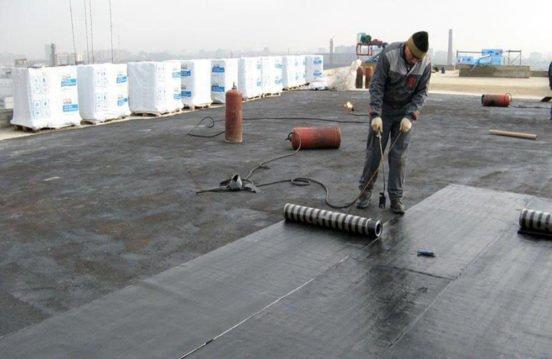 Укладка рубероида на плоскую крышу