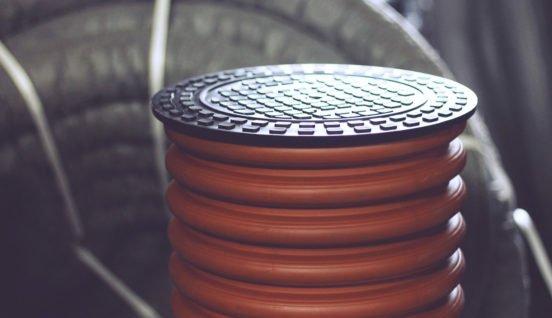 Пластиковый колодец для дренажа с крышкой