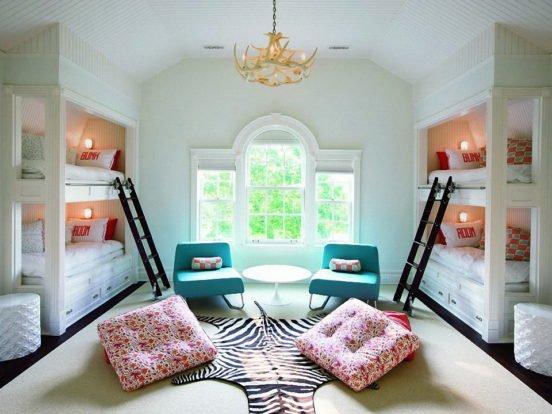 Зонирование спальных мест для четырёх детей