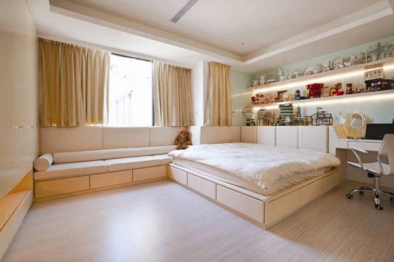 Кровать на подиуме