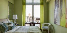 Узкая спальня: немного волшебства для максимального уюта