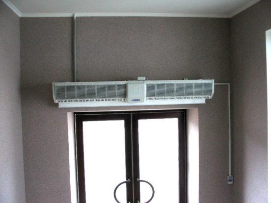Вариант размещения тепловой завесы