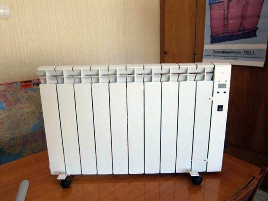 Электробатарея напольного типа