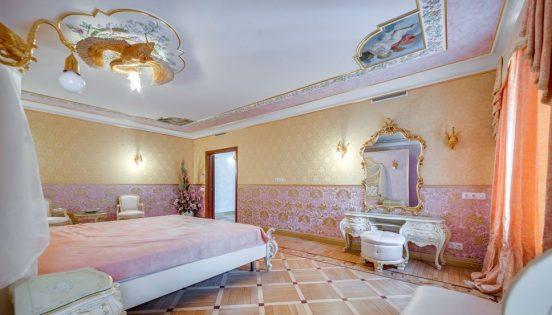 квартира волочковой в петербурге фото