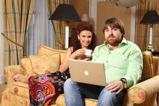 Эвелина Блёданс лома с мужем