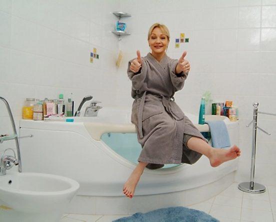 Татьяна Буланова в своей ванной комнате
