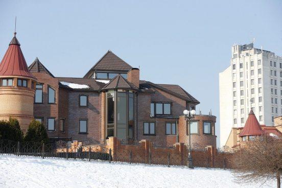 Дом Януковича на набережной