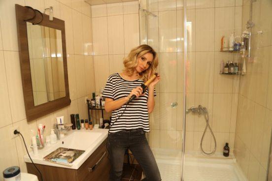 Светлана Лобода в ванной комнате