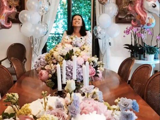 София Ротару в праздничной обстановке