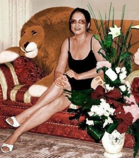 София Ротару на диване
