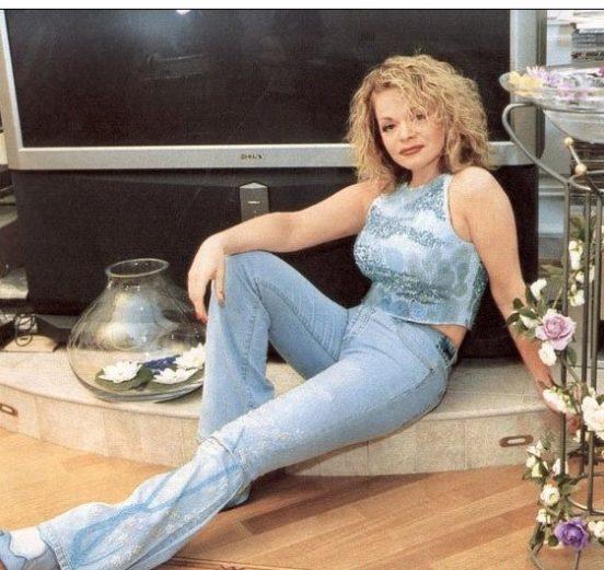 Лариса Долина в своём доме
