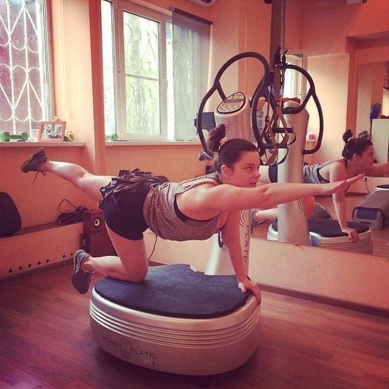 Наташа Королёва занимается спортом