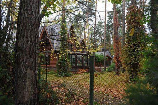 Домик для гостей в усадьбе Никиты Михалкова