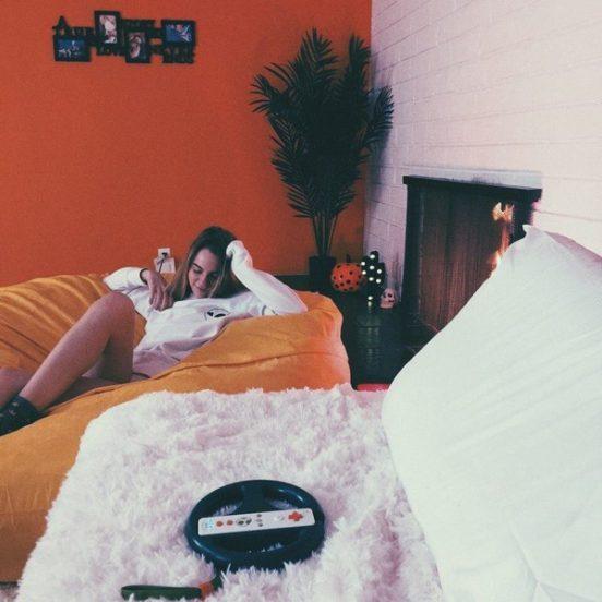 Марьяна Ро в своей квартире