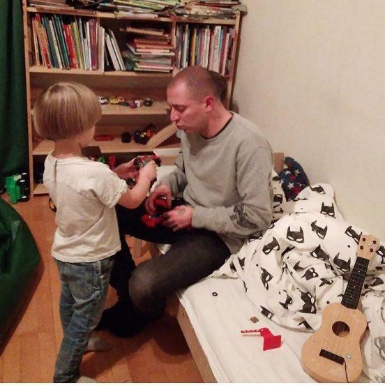 Оксимирон с маленьким мальчиком