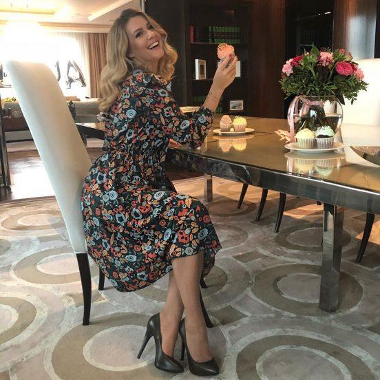 Мария Кожевникова в своей гостиной