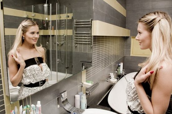 Мария Кожевникова в своей ванной