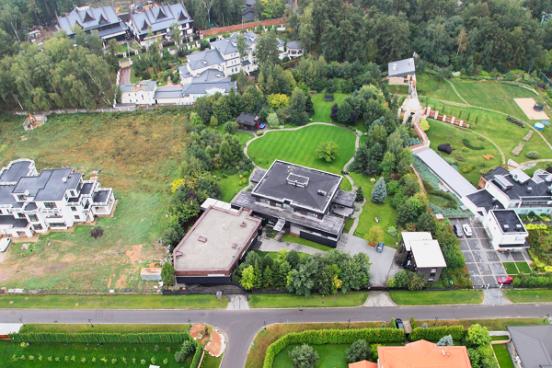 Дом Навки и Пескова