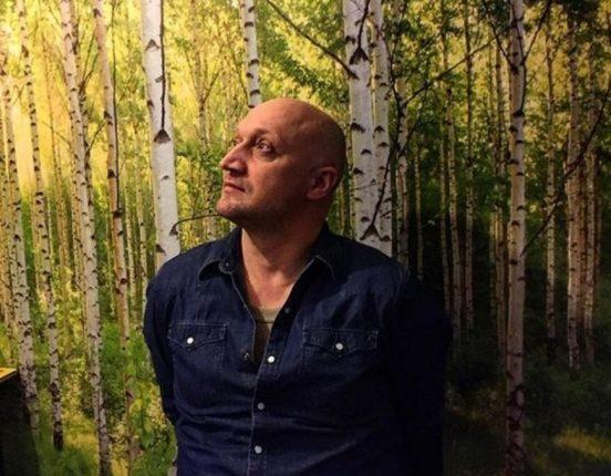 Гоша Куценко в цветах