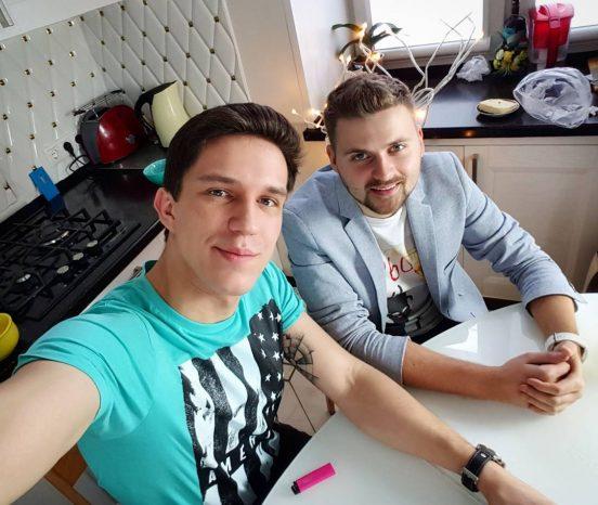 Дмитрий Масленников с другом