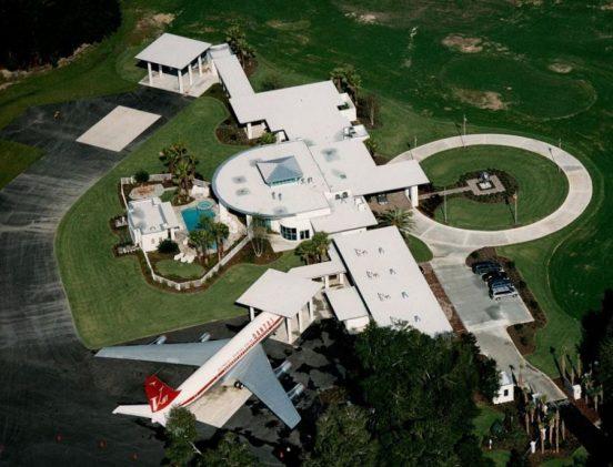 Дом Джона Траволты, вид с высоты