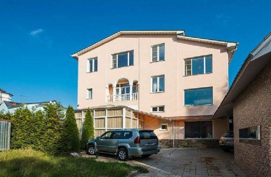 Где живет Юрий Куклачев