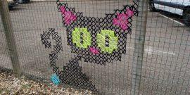 Красивые заборы из сетки рабицы: интересные идеи на фото