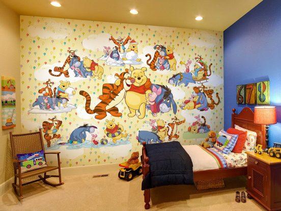 Акцентное выделение стены в комнате обоями