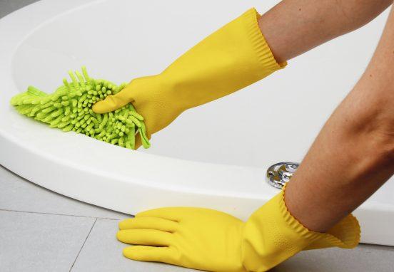 как отмыть мыльный налет в ванной