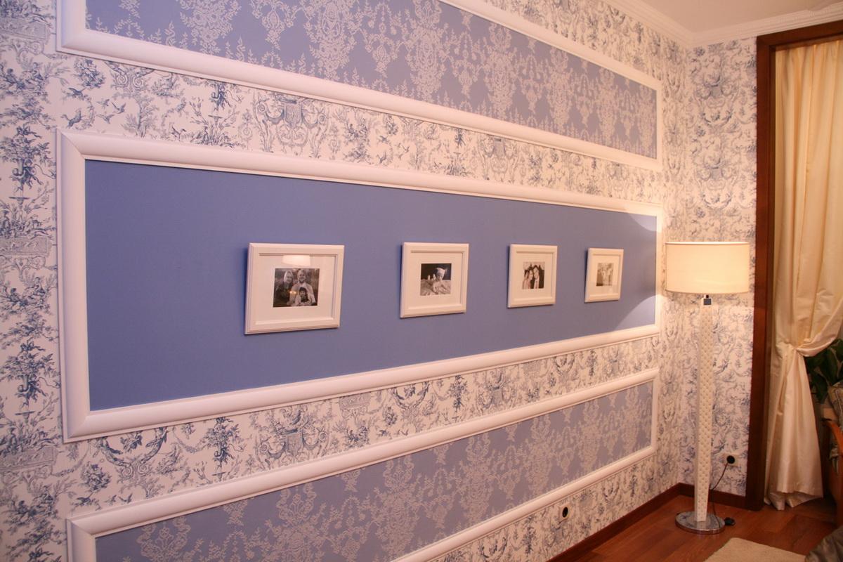 багеты на окрашенной стене фото его