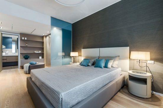 серо голубая спальня