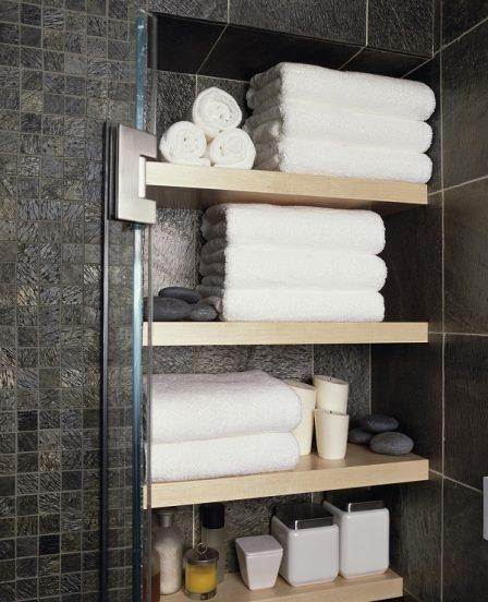 Полки для полотенец в ванную комнату