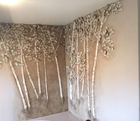 Барельеф в виде берёз на стене