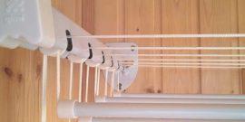 Вешалки для белья на балкон: варианты с фото