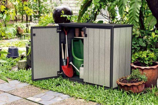 Уличный шкаф для хранения садового инвентаря
